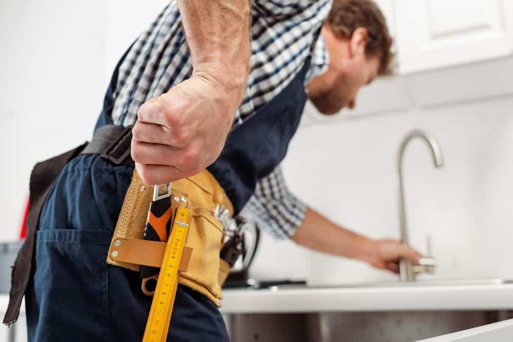 Clean a Pull Down Kitchen Faucet Spray Head