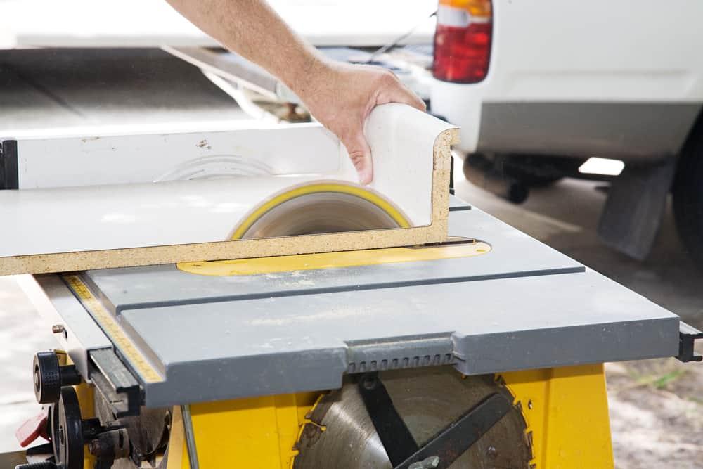 How Do You Cut a Laminate Countertop for Backsplash